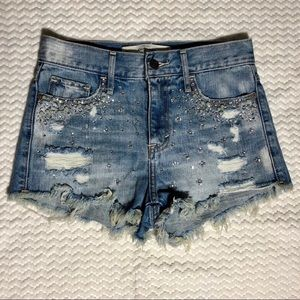 Abercrombie&Fitch Distressed Studded Denim Shorts